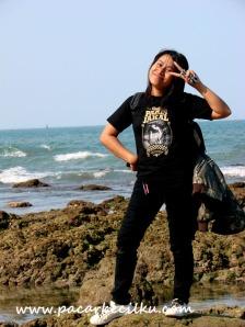 salah satu pantai di dekat Benteng Karang Bolong