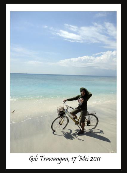 Bersepeda Keliling Trawangan