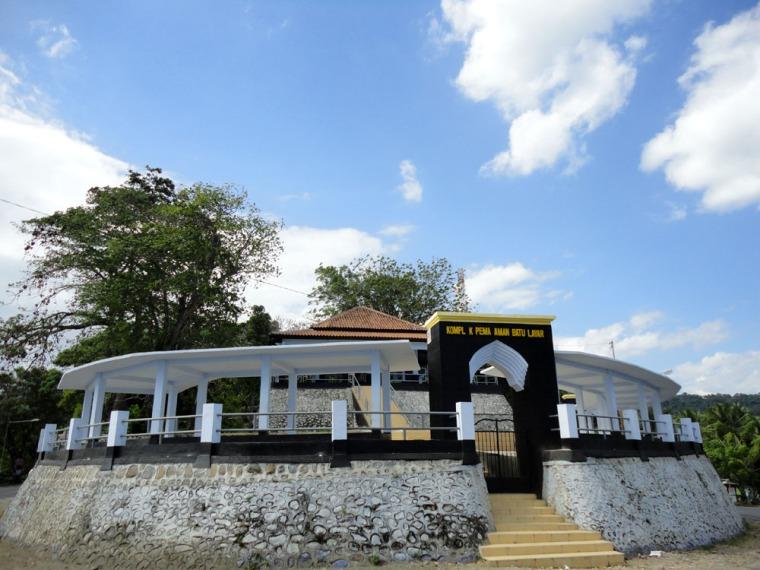 Makam Batu Layar