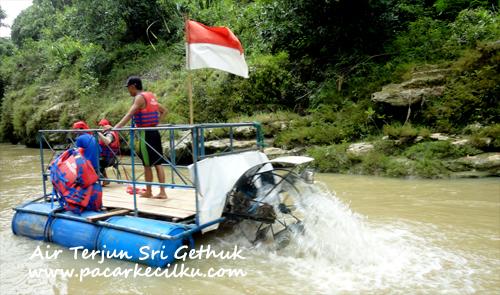 Wisata Alam Air Terjun Sri Gethuk