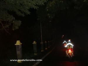 kondisi jalan dari sukapura menuju cemoro lawang di malam hari