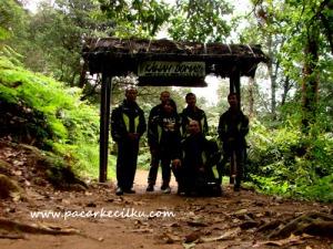 pintu masuk ke Kawah Domas