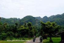 jalan menuju kompleks wisata Goa Petruk