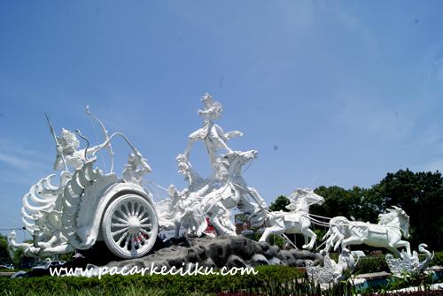 Patung Gatotkaca Seraya Tuban Bali