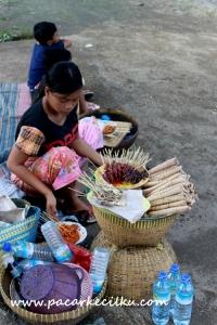 Sate Bulayak di Pura Lingsar Lombok