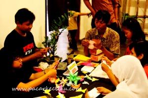 belajar membuat Origami di Japan Jogja Week