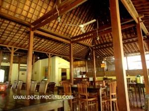 suasana di Rumah Makan Pecel Yu Sri Jogja