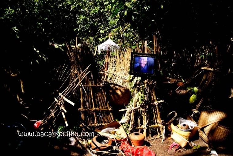 pemakaman di desa Truyan