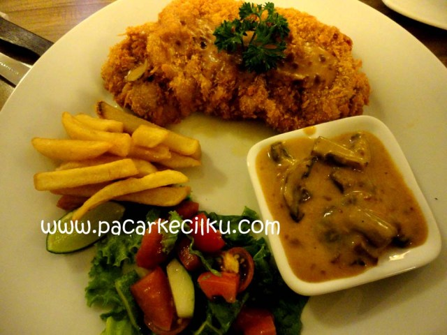 Schnitzel ala Break Resto & Coffee