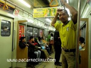 pengalaman pertama naek Commuter-Line