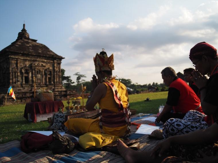 Puja Panca Tathagata Buddha Tantrayana Kasogatan