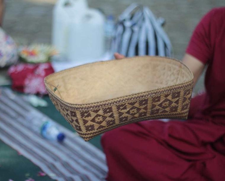 Menyadap Dharma Dalam Sunyi
